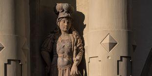 Residenzschloss Mergentheim, Skulptur eines Mannes in Rüstung