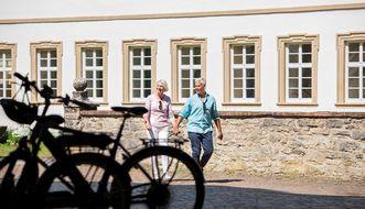 Residenzschloss Mergentheim, Besucher am Schloss