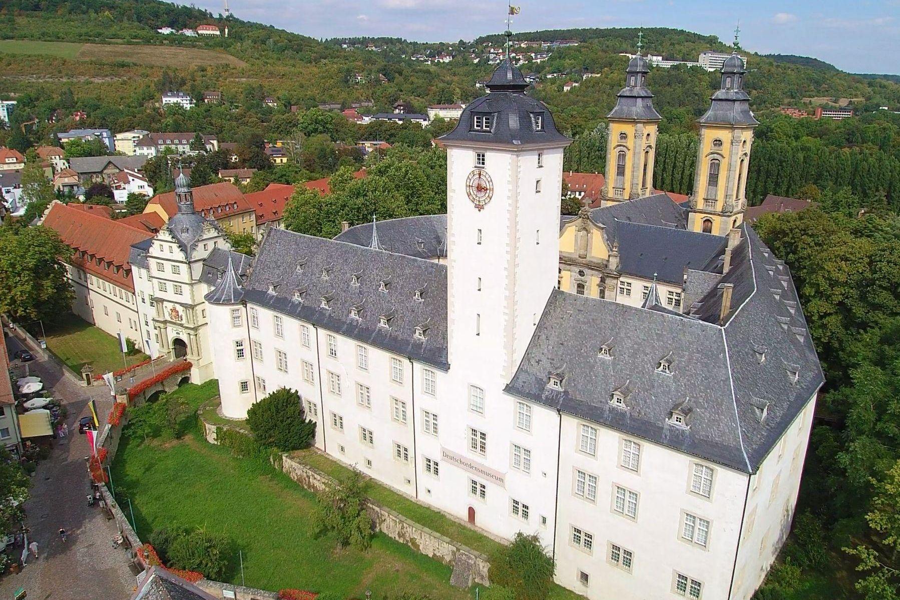 Residenzschloss Mergentheim, im Vordergrund das Hochschloss